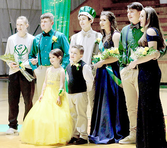 Kevin Harvison | Staff photo Stuart announced the 2018 Homecoming roayalty Friday as Tanner Murdaugh was announed as King and Skylar Stopp was selected as the Homecoming Queen. Pictured back row from left are, Emiley Beaird, Lane Wimberly, Tanner Murdaugh, Skylar Stopp, Sammy Luker, Elizabeth Brewer and front row, Zayli Luker and Grant Martin.
