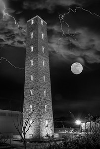 shot_tower_halloween_moon