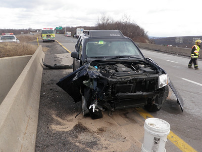 MAHANOY TOWNSHIP EXIT 130 INTERSTATE 81 VEHICLE ACCIDENT 1-26-2010 PICTURES BY COALREGIONFIRE