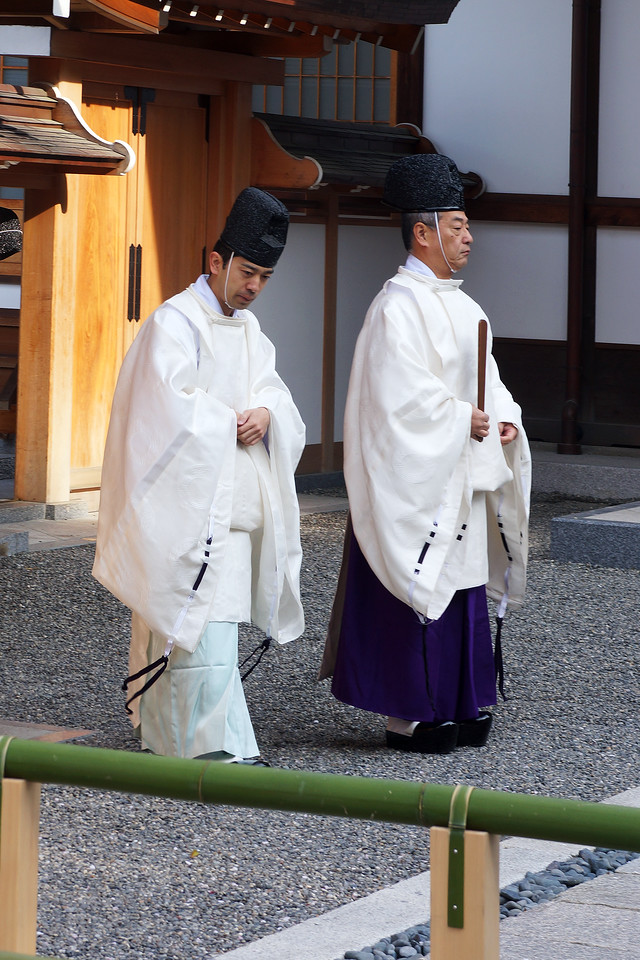 SHINTO PRIESTS - FUSHIMI INARI SHRINE