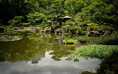05 Filming Keitakuen Gardens Osaka © David Bickerstaff