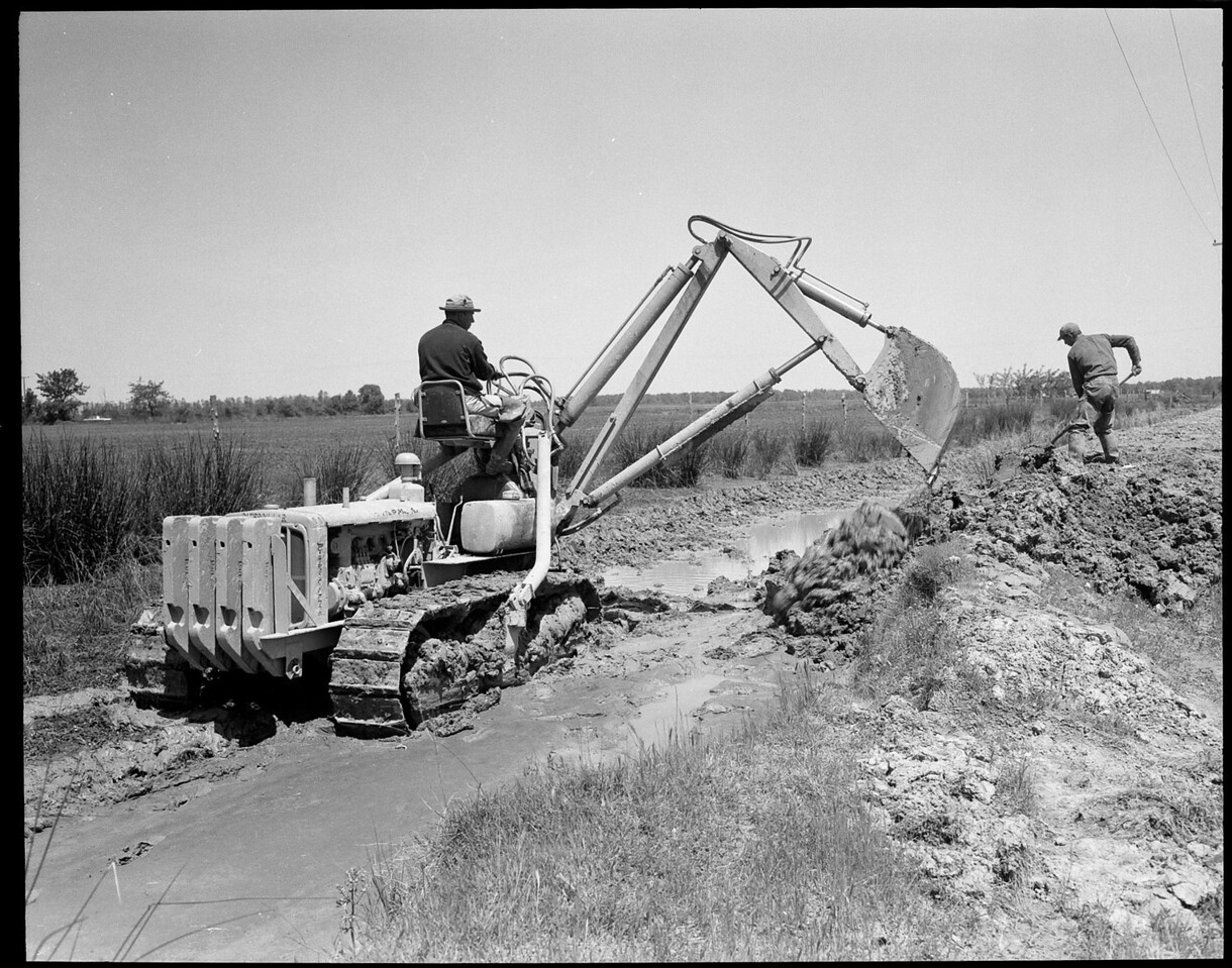 Arkansas Irrigation Co. DH C Backhoe May 1958
