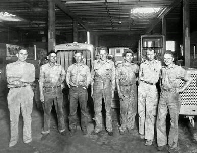 CANVAS-technicians_circa_1940's