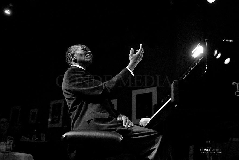 Hank Jones  /  Birdland Jazz  Club  NYC /  dsc_HJ88YS