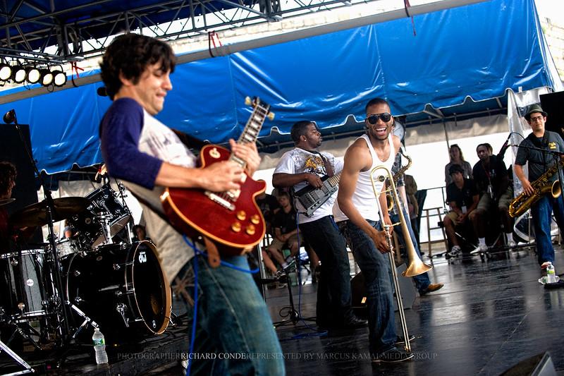 "TROMBONE SHORTY RAVI COLTRANE / STEVE COLEMAN <br />  <a href=""http://www.facebook.com/richardcondemedia"">http://www.facebook.com/richardcondemedia</a>   <a href=""http://www.instagram.com/richard_conde_photography/"">http://www.instagram.com/richard_conde_photography/</a>"