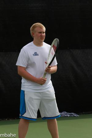 130422 Tennis JV