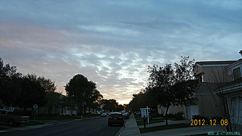 12/08/2012 - Shot this when I go out to pick up mail.