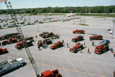 RANDHURST SHOPPING CENTER - MT PROSPECT FIRE SHOW  5-1-1976   GCR PHOTO