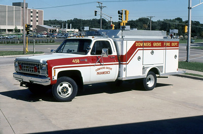 DOWNERS GROVE FD  SQUAD 458  1981  CHEVY - E-ONE