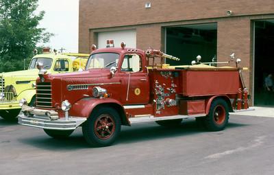 WAUWATOSA FD WI  ENGINE 6  1958  FWD   1000-500