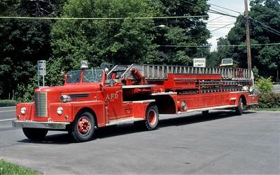 AURORA FD NY  LADDER 3-11  1956  PIRSCH   100' TDA   1983