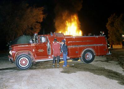 COVINGTON FD TN  ENGINE  1973  CHEVY - HOWE   750-750   WORKING FIRE   11-1981