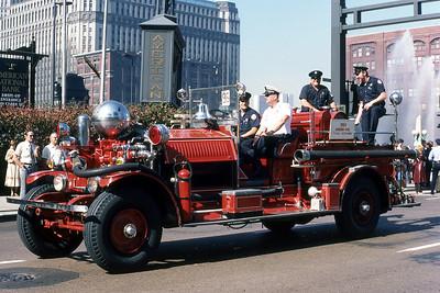 BROOKFIELD FD  ENGINE 1  AHRENS FOX   1982 CHICAGO FIRE PREVENTION PARADE