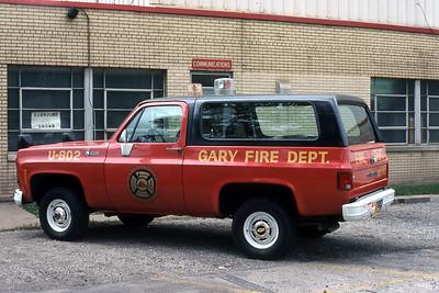 GARY FD IN  CAR U-802   JDS PHOTO