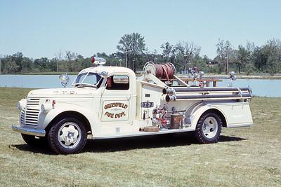 GREENFIELD FD IN  ENGINE 1  1946  GMC - HOWE   500-500   JDS PHOTO