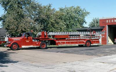 BERWYN FD  TRUCK 94-A  PIRSCH   100' TDA