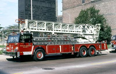 CHICAGO FD  TRUCK 1  HENDRICKSON - PIERCE - MORITA   135'