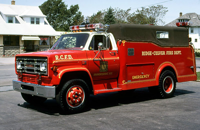 RIDGE-CULVER FD NY  RESCUE 107  1981  GMC - 1947  OTTCO    LEO DULIBA PHOTO