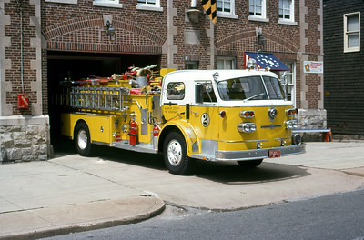 BALTIMORE COUNTY FD  ENGINE 2  ALFCO   OFFICERS SIDE