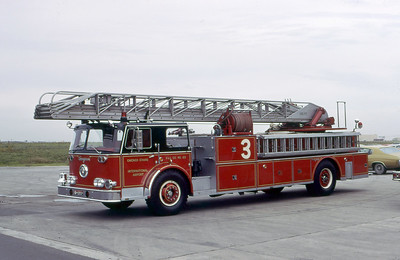 CHICAGO FD  TRUCK 63  SEAGRAVE   100'  ALL STEER