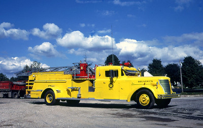 BRUNSWICK FD ONTARION  LADDER 1  1947  ALFCO   65'  MID MOUNT   X- JAMESTOWN FD NY   JOHN SYTSMA PHOTO
