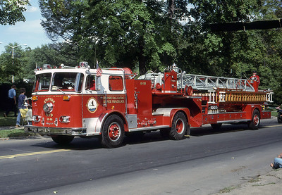 EMPIRE H & L CO 1  - UPPER NYACK NY  LADDER 10-98  1975  SEAGRAVE   100' TDA