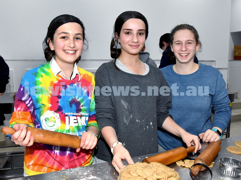 JEMS honey biscuit bake at OBK. From left: Jordana Guenzel, Lexi Dubb, Jaime Levine. Pic Noel Kessel