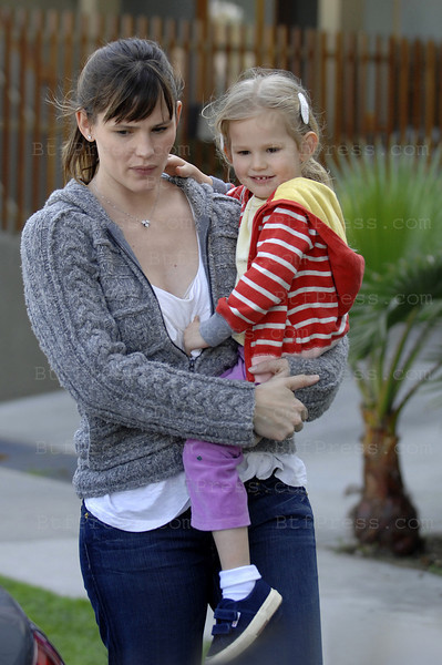 Los Angeles, March 07, 2009: Jennifer Garner and daughter Violet have good time together in a play-school.
