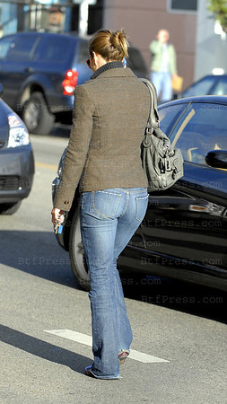 JESSICA BIEL DOES LUNCH WITH A FRIEND AT SANTA MONICA'S FAMOUS BLUE PLATE RESTAURANT AND DOES A BIT OF SHOPPING ON MONTANA AVENUE - CHOOSING SOME SEXY FRILLY BLUE AND WHITE LINGERIE TO MATCH THE NEW YORK YANKEE'S UNIFORMS - THEN SHE STOPPED A BIT OF TRAFFIC DEAD IN  THE STREET AS SHE DID A BIT OF J-WALKING BEFORE HEADING TO HER NEARBY HOME.