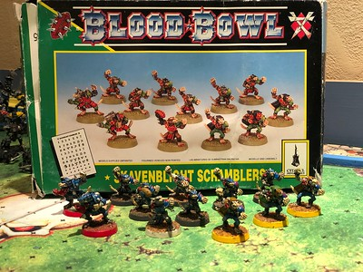Skaven Blood bowl Team painted (might need some touch ups) 75$ and can add more players Also have Rat Ogres that can be added for extra $$