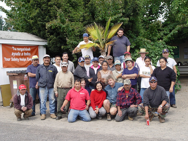 Crew at Rupa's Goodbye Lunch - August 9th 2007.