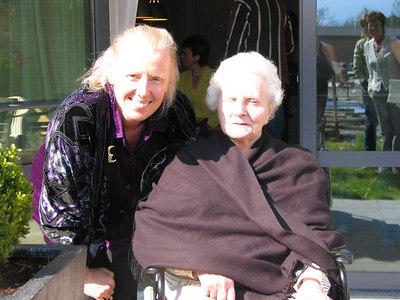 Tante To 89 verjaardag, Corry en Dre