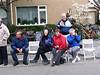 Ton en Gerda, Joke en Nic, JJ en Wayne. Lekker koud op de dag van de Bloemenkorso in Lisse