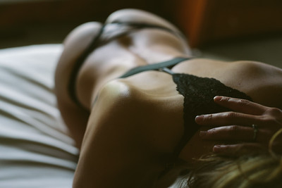 JL Toronto Boudoir Photos, ©KateHood, 2016