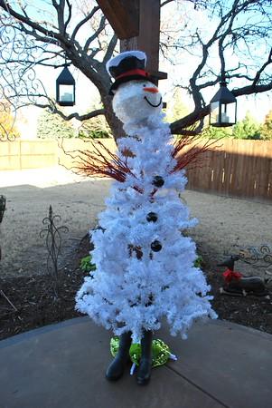 Snowman tree3