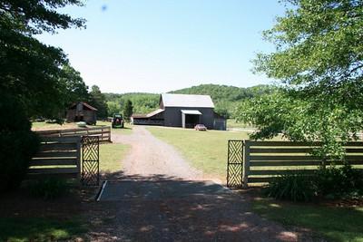 Birdsong Home & Barn - Cave Spring