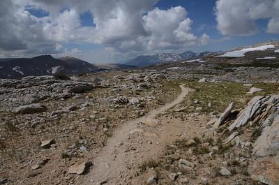 Looking back. I think that mountain range is Kaweah Peaks Ridge.