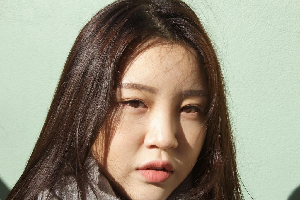 Shinhee Kim, Public Relations Major enjoys the sunny day on January 31.