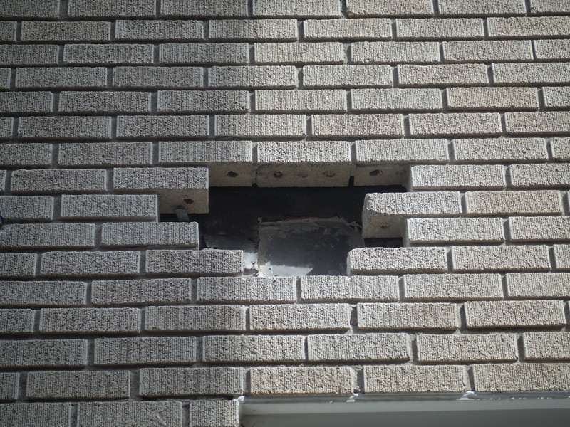 Tooth out and brick up opening