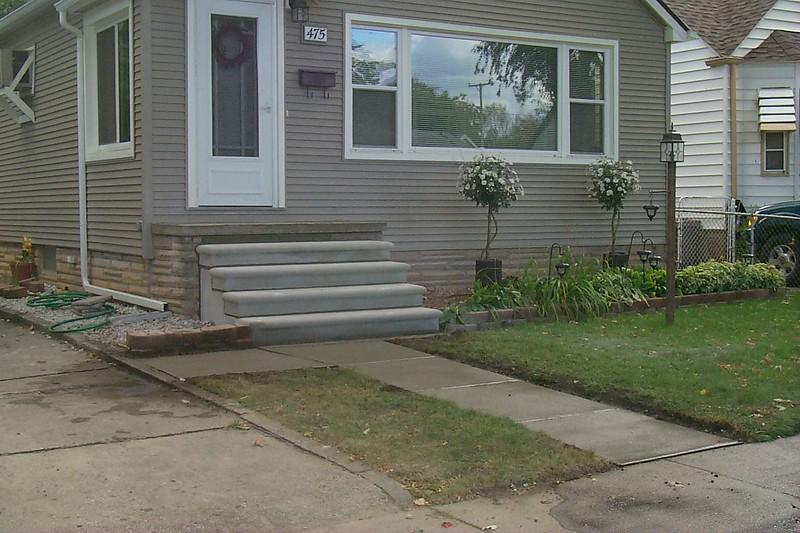 NEW PRE CAST STEPS