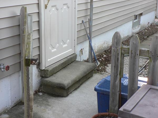 OLD PRECAST STEP