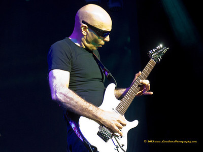 JOE SATRIANI Warner Theater, September 30, 2013