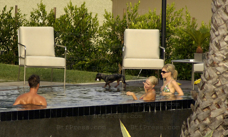EXCLUSIVE - JOSH DUHAMEL HAS A GOOD TIME IN HIS POOL WITH A BABE WHO IS NOT FERGIE. EXCLUSIVE.