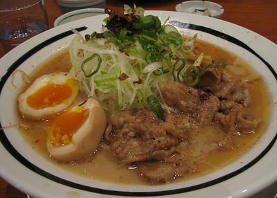 IMG_8421 kagoshima-black pork ramen (kurobuta)