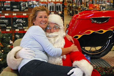 98 Santa visits J&P Cycles Florida Superstore