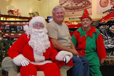 86 Santa visits J&P Cycles Florida Superstore