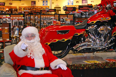 87 Santa visits J&P Cycles Florida Superstore