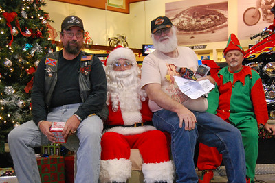 84 Santa visits J&P Cycles Florida Superstore