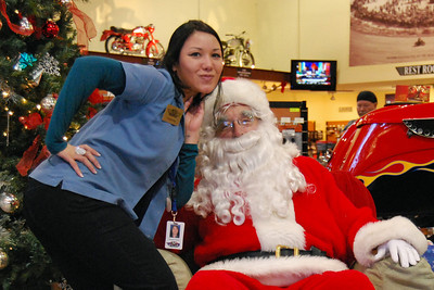 58 Santa visits J&P Cycles Florida Superstore