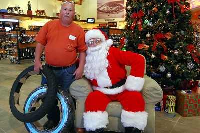 0965 2012 Santa Visits J&P Cycles Florida Superstore